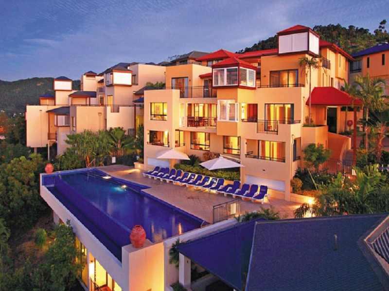 Pinnacles-Resort-Whitsundays